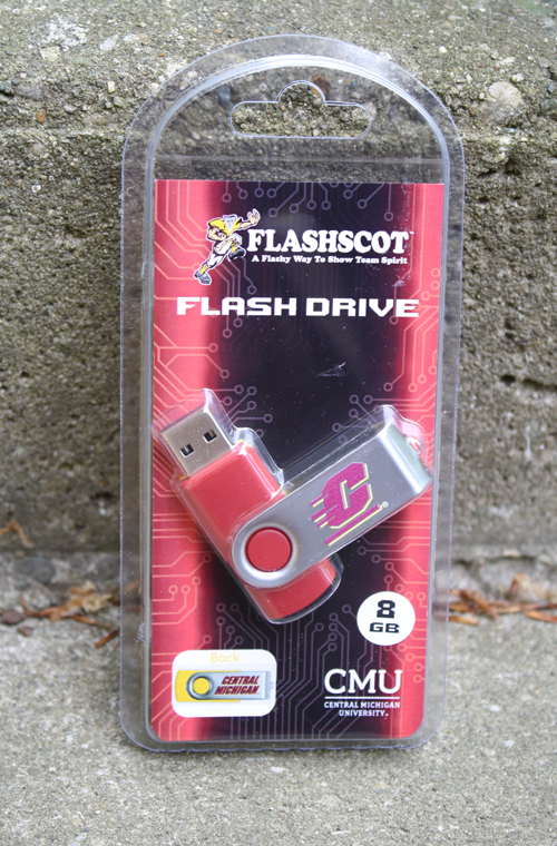 Flying C 8Gb Flashdrive Revolution With Central Michigan On Reverse (SKU 5010271677)