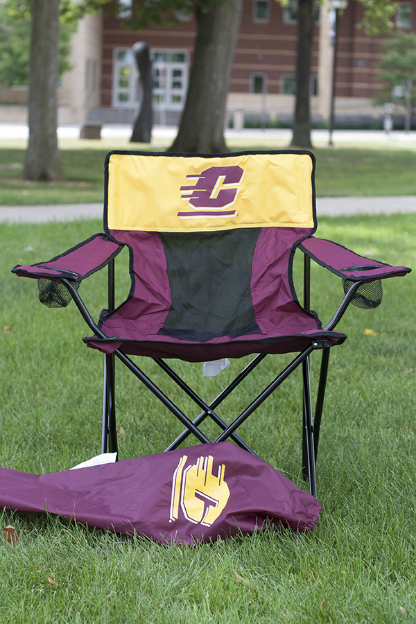 Wondrous Elite Maroon Tailgate Chair With Flying C On Gold Panel Squirreltailoven Fun Painted Chair Ideas Images Squirreltailovenorg